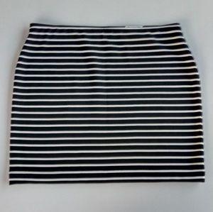a.n.a Black & White Tristan Stripe Mini Skirt PL